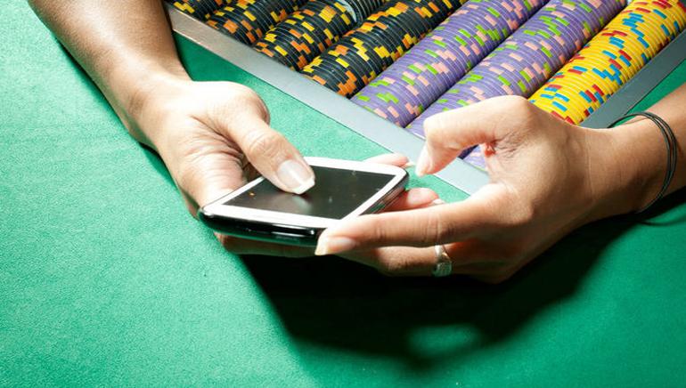Мобильные казино Golden Riviera и Crazy Vegas предлагают новые языки