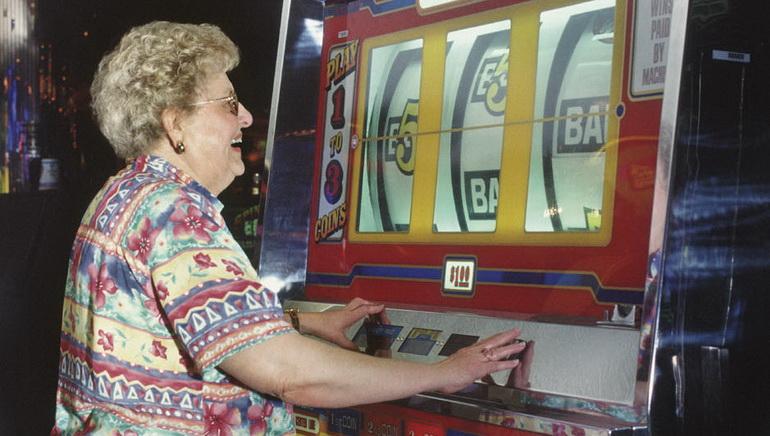 Призы Slots Club – Играйте в мае